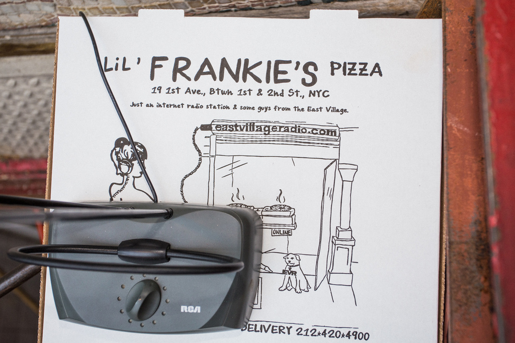 Lil' Frankie's pizza boxes