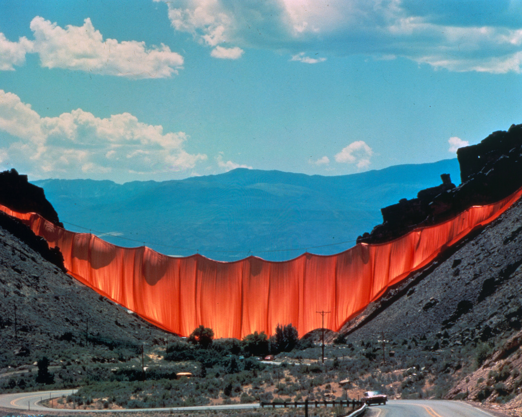 Valley Curtain, Colorado, 1972.